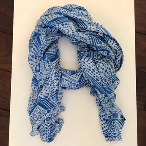 Light blue and white printed scarf